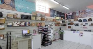 Foto de Lojas Conceito Calçados e Acessórios - Vestindo e Calçando Toda a Família em Atibaia, SP por Solutudo
