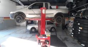 Foto de Garage Centro Automotivo  em Marília, SP por Solutudo