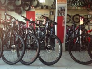 Foto de Salles Bikes em Atibaia, SP por Solutudo