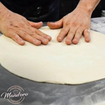 MASSA DE PIZZA GENUINAMENTE ITALIANA, INCLUSIVE INTEGRAL