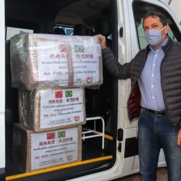 Foz do Iguaçu recebe doação de 10 mil máscaras N95 de Xiamen