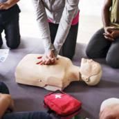Primeiros Socorros (NR 07) em Atibaia, SP por CESMET - Centro Especializado em Segurança e Medicina do Trabalho