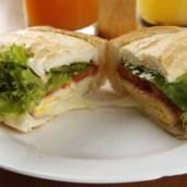 X-Frango no Pão Francês em Americana, SP por Marcondes Burger