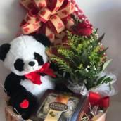 Bau amor com urso panda em Ourinhos, SP por Flor de lis - Floricultura e Presentes
