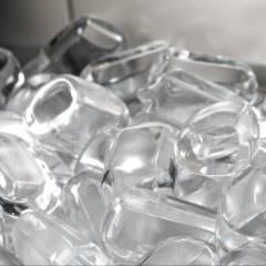 Saco de gelo em cubos