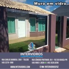 MURO EM VIDRO