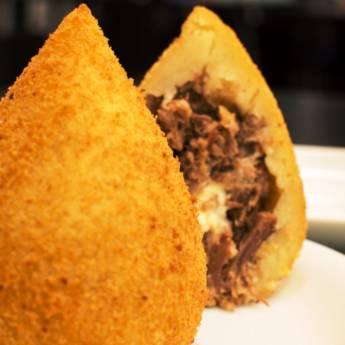 Comprar o produto de Porção • Coxinha de Costelinha c/ Barbecue em Porções pela empresa Old Home Burger Gourmet  em Atibaia, SP por Solutudo