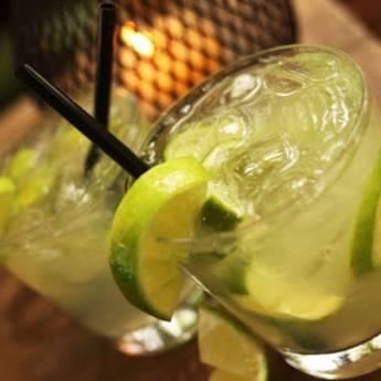 Comprar o produto de Caipirinha Sagatiba / Seleta / Salinas com Limão    em Drinks em Atibaia, SP por Solutudo