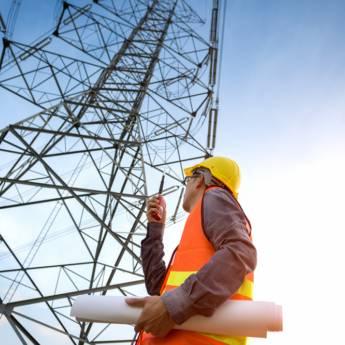Comprar o produto de Treinamento de Segurança em Instalações e Serviços com eletricidade (NR 10) em Treinamentos pela empresa CESMET - Centro Especializado em Segurança e Medicina do Trabalho em Atibaia, SP por Solutudo