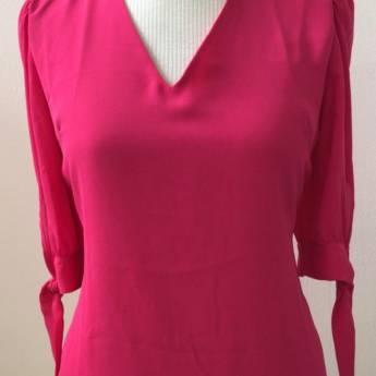Comprar o produto de Blusa pink laço AZ em Roupas e Acessórios em Botucatu, SP por Solutudo
