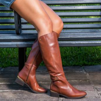 Comprar produto Botas Femininas em Calçados pela empresa Lojas Conceito Confecções e Calçados - Vestindo e Calçando Toda a Família em Atibaia, SP