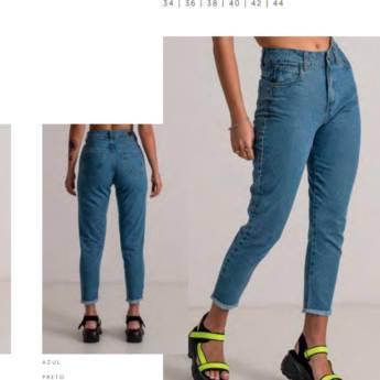 Comprar o produto de Calça mom fit basic BOOQ em Roupas e Acessórios pela empresa Loja Ego - Moda Feminina Multimarcas em Botucatu, SP por Solutudo