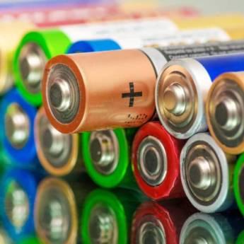 Comprar o produto de Pilhas e Baterias em Informática em Atibaia, SP por Solutudo