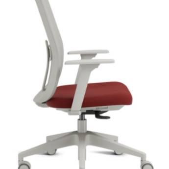 Comprar o produto de Cadeira Mont Blanc  em Cadeiras Giratórias em Foz do Iguaçu, PR por Solutudo