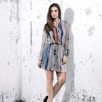 Comprar o produto de Vestido chemisie vivo couro Viviane Furrier em Roupas e Acessórios pela empresa Loja Ego - Moda Feminina Multimarcas em Botucatu, SP por Solutudo
