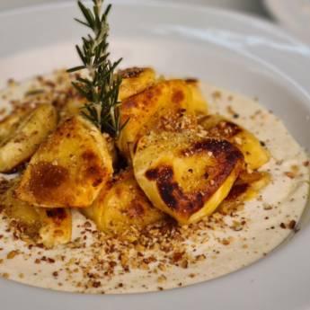 Comprar o produto de TORTELLONI DE BRIE & DAMASCO em Massas pela empresa Restaurante Quintal do Gui em Atibaia, SP por Solutudo