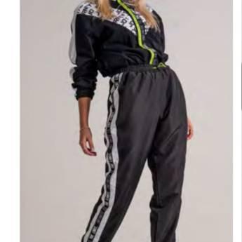 Comprar o produto de Jaqueta corta vento BOOQ em Roupas e Acessórios pela empresa Loja Ego - Moda Feminina Multimarcas em Botucatu, SP por Solutudo