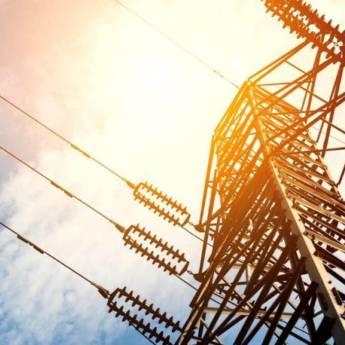 Comprar o produto de Eletricidade (NR10) em Treinamentos pela empresa CESMET - Centro Especializado em Segurança e Medicina do Trabalho em Atibaia, SP por Solutudo