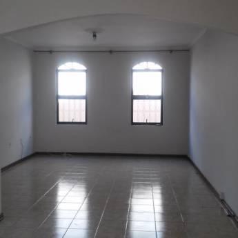 Comprar o produto de Casa V. Pinheiro em Aluguel - Casas pela empresa Ideal Imóveis em Botucatu, SP por Solutudo