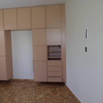 Comprar o produto de Casa - V. Nossa Senhora de Fátima em Aluguel - Casas pela empresa Ideal Imóveis em Botucatu, SP por Solutudo