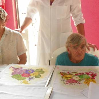 Comprar produto Atividade de pintura  em Outros pela empresa Casa de Repouso Paraiso  em Botucatu, SP
