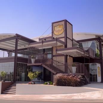 Comprar o produto de Locação de Salão de Festas! Local com vista panorâmica, varanda e instalações completas em Outros Serviços em Botucatu, SP por Solutudo