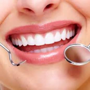 Comprar produto Clareamento Dental em Saúde Dental pela empresa Dra. Rosângela Ap. da Silva CRO/SP 35980 em Botucatu, SP