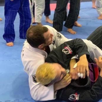 Comprar o produto de Aulas profissionais de Jiu Jitsu em Academias e Esportes em Jundiaí, SP por Solutudo