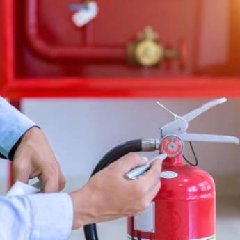 Comprar o produto de Manutenção de Extintores 1º 2º e 3º Níveis em Outros Serviços pela empresa CLP Extintores em Jundiaí, SP por Solutudo