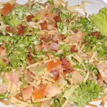 Comprar o produto de Salada Gaúcha em Pratos Principais pela empresa Chikas Restaurante em Botucatu, SP por Solutudo