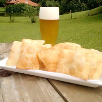 Comprar o produto de Pastel misto chopp artesanal rofer pilsen em Porções em Itupeva, SP por Solutudo