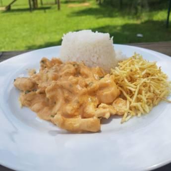 Comprar o produto de Strogonoff de frango em Pratos Principais em Itupeva, SP por Solutudo
