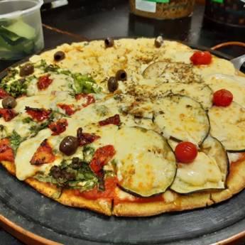 Comprar o produto de Pizzas em Pizzas pela empresa Na Chácara Pizzaria em Botucatu, SP por Solutudo