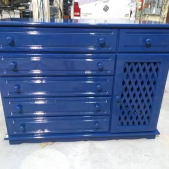 Comprar o produto de Pintura e envernização em móvel de madeira - cor azul náutico  em Reparos em Birigui, SP por Solutudo