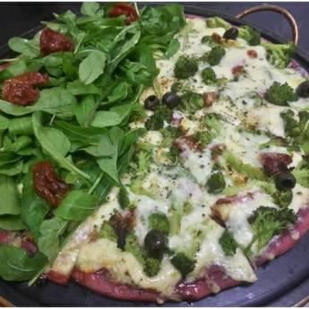 Comprar o produto de Meia rúcula com tomate seco // Meia brócolis especial em Pizzas em Botucatu, SP por Solutudo