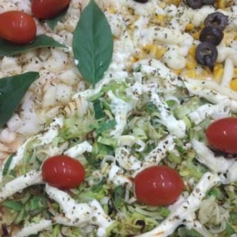 Comprar o produto de Palmito ora pro nobis // Milho com Lemon Peper // Alho poró com cream chesse em Pizzas em Botucatu, SP por Solutudo