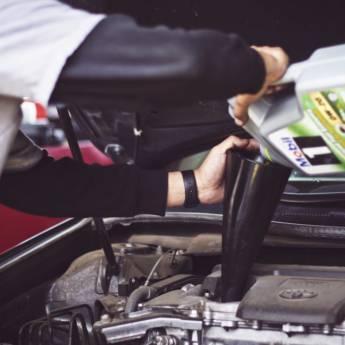 Comprar o produto de Troca de Óleo Automotivo em Oficina pela empresa Fast Car Autocenter em Aracaju, SE por Solutudo