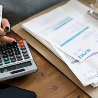 Comprar o produto de Assistente Financeiro em Administração, Negócios e Marketing em Atibaia, SP por Solutudo