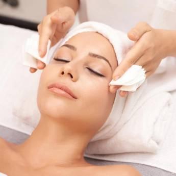 Comprar produto Limpeza de Pele Completa  em Estética Facial pela empresa Studio Luciana Mendes  em Foz do Iguaçu, PR