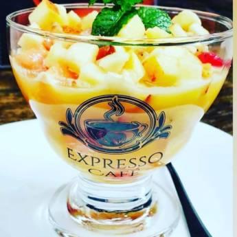 Comprar produto Salada de Frutas em Doces e Sobremesas pela empresa Expresso Cafė em Marília, SP