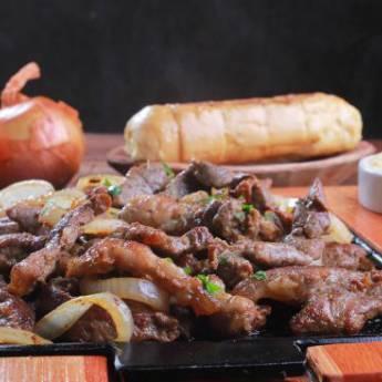 Comprar o produto de Porção • Filet Mignon Angus Acebolado em Porções pela empresa Old Home Burger Gourmet  em Atibaia, SP por Solutudo