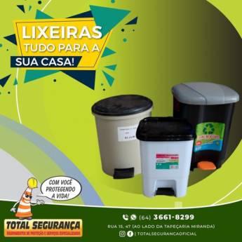 Comprar produto Lixeiras em Produtos de Limpeza pela empresa Total Segurança em Mineiros, GO