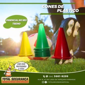Comprar o produto de Cones de plástico em Cones pela empresa Total Segurança em Mineiros, GO por Solutudo