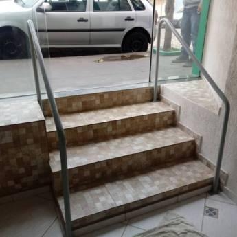 Comprar o produto de  Adequações em Escadas e Corrimãos! em Extintores - Equipamentos de Proteção Contra Incêndio em Botucatu, SP por Solutudo