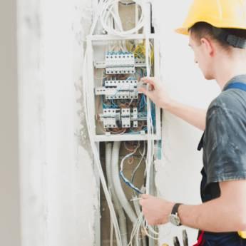 Comprar o produto de Instalação e manutenção elétrica em comércio em Instalação Elétrica em Botucatu, SP por Solutudo