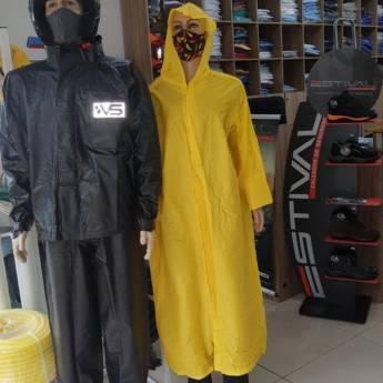 Comprar produto capa de chuva em Uniformes pela empresa Estillo Uniformes & EPI's - Loja 2 em Botucatu, SP