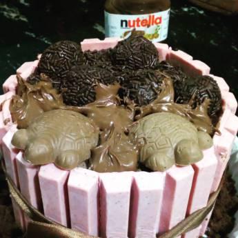 Comprar produto Bolos de Kit Kat em Chocolate pela empresa Thamy Costa Chocolates e Afins em Botucatu, SP