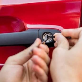 Comprar produto chaveiro  veículos em Chaveiros pela empresa Chaveiro Aliança em Botucatu, SP