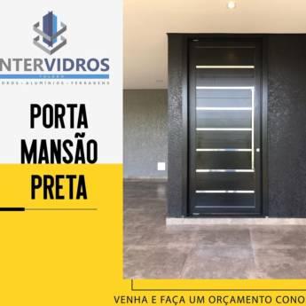 Comprar o produto de Porta Mansão Preta em Portas e Janelas em Foz do Iguaçu, PR por Solutudo