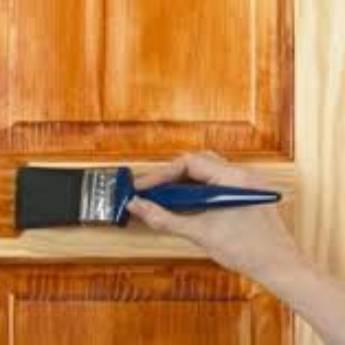 Comprar o produto de  Equipe especializada em tratamento de portas e janelas de madeira, em Pintores em Botucatu, SP por Solutudo